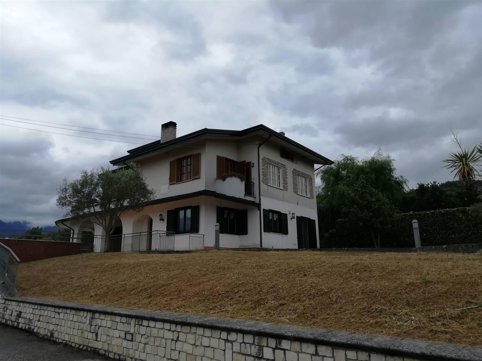 Villa in vendita a San Michele di Serino, 7 locali, zona Zona: Madonna delle Grazie, prezzo € 250.000 | CambioCasa.it