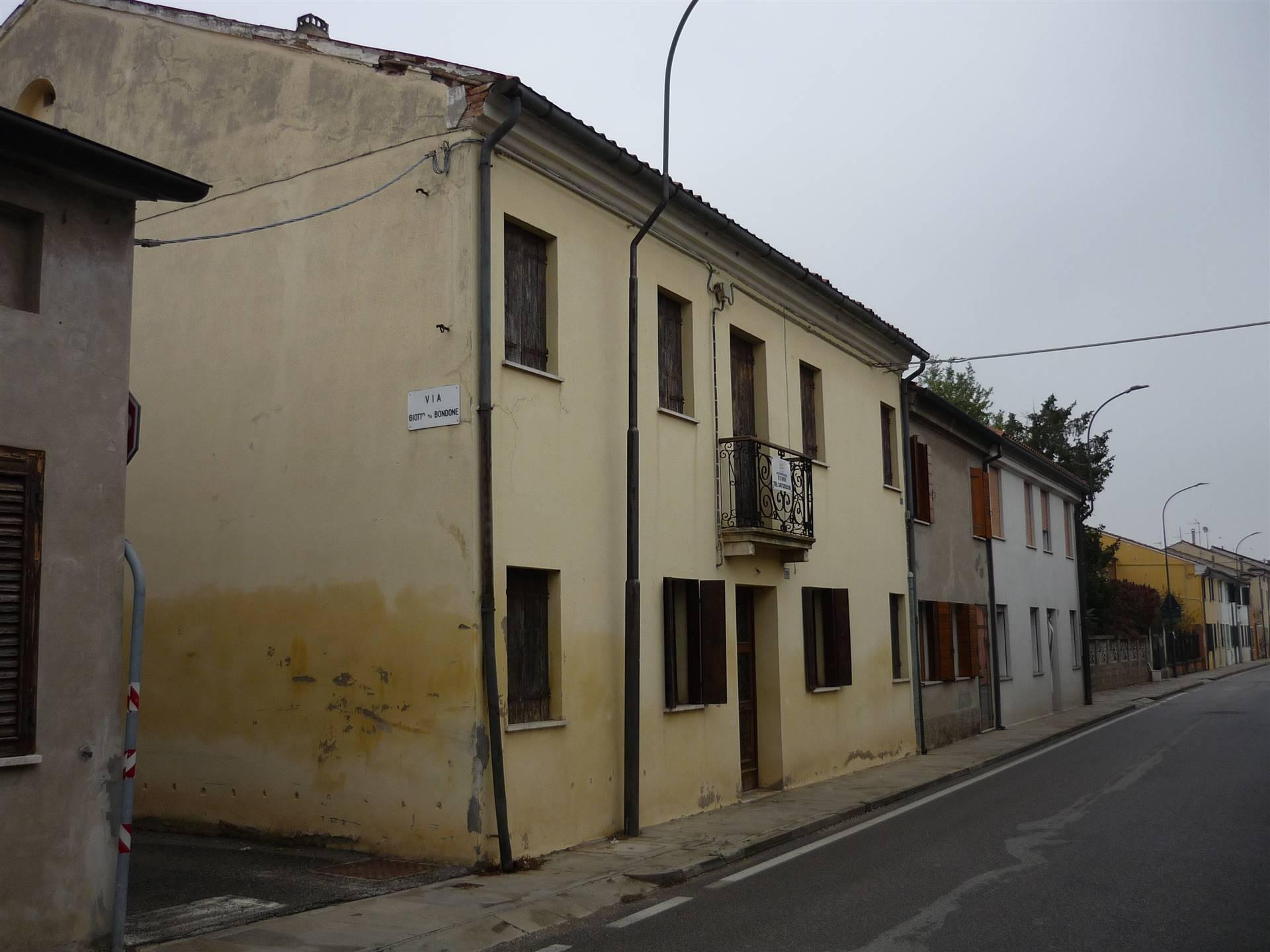 Villa a schieraaCOSTA DI ROVIGO
