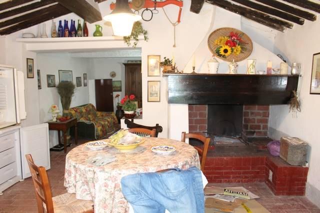 Rustico / Casale in vendita a Montescudaio, 5 locali, prezzo € 210.000   CambioCasa.it