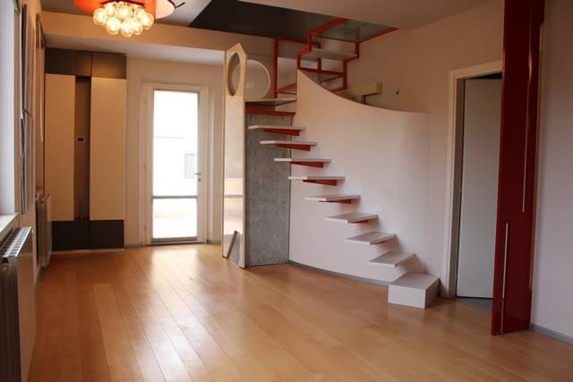 Appartamento indipendenteaCECINA