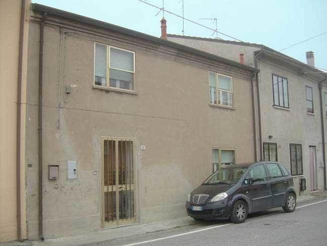 Soluzione Indipendente in vendita a Masi Torello, 6 locali, zona Località: BORGO SANTANNA, prezzo € 35.000 | CambioCasa.it