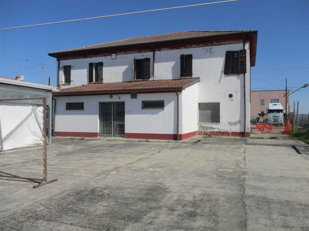 Locale commerciale, Valcesura, Fiscaglia, da ristrutturare