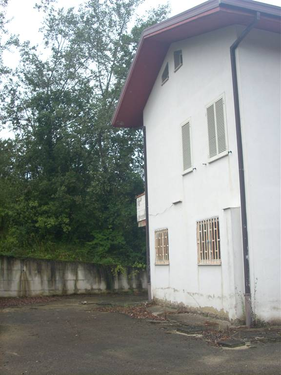 Soluzione Indipendente in vendita a Lapio, 4 locali, prezzo € 135.000   CambioCasa.it