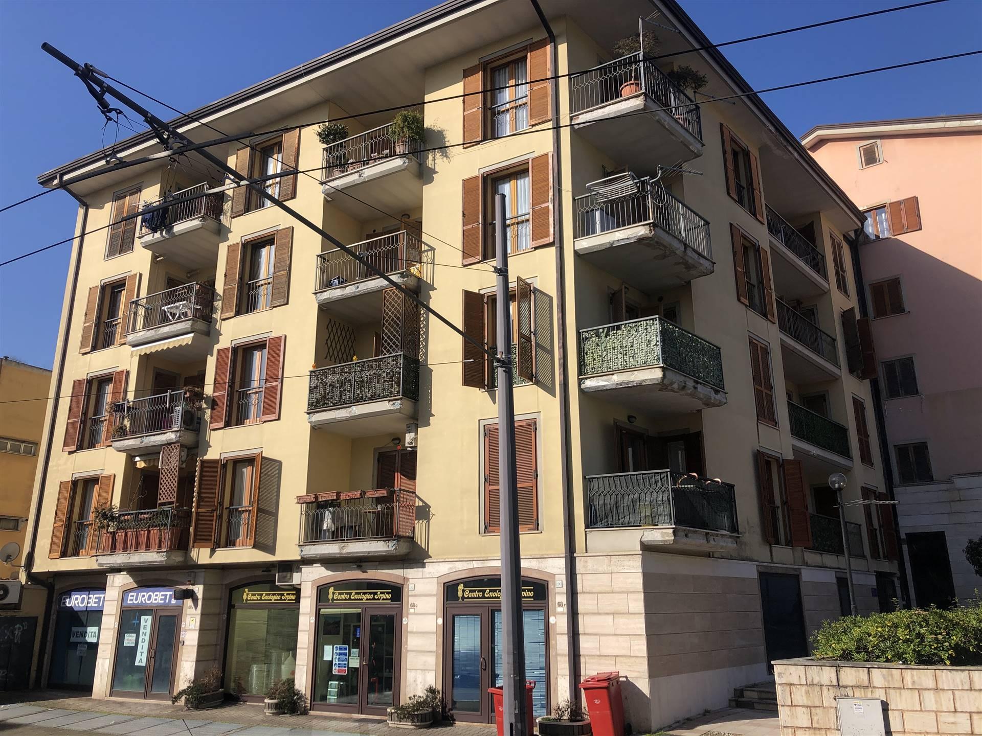 Appartamento in vendita a Avellino, 5 locali, zona Zona: Centro, prezzo € 260.000 | CambioCasa.it