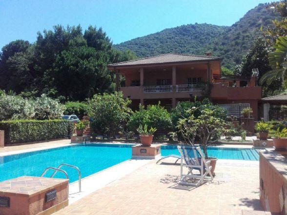 Villa in Via Arno 4, Palermo
