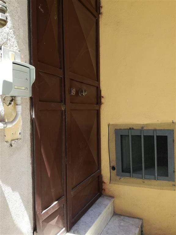 Trilocale in Via Pollio 18, Centro, Caserta