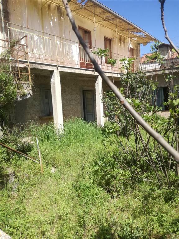 Palazzo in Via Quercione 27, Briano, Caserta