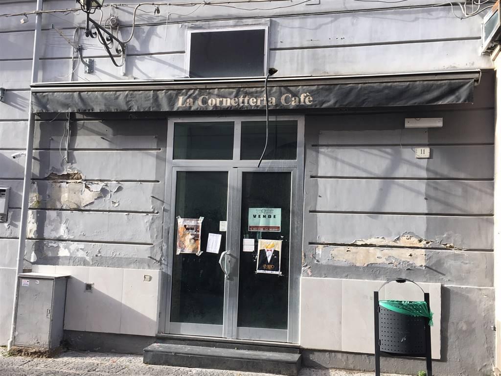 Locale commerciale in Via Pollio 11, Centro, Caserta