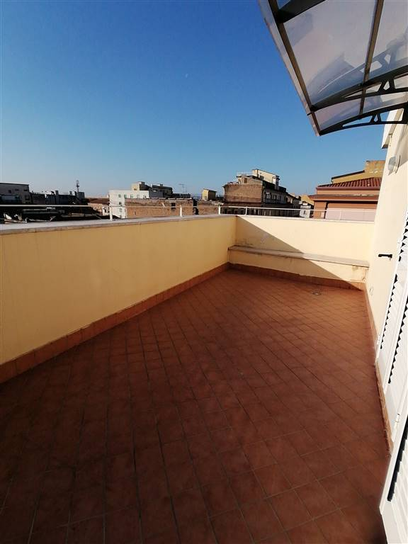 Bilocale in Via San Giovanni  7, Centro, Caserta