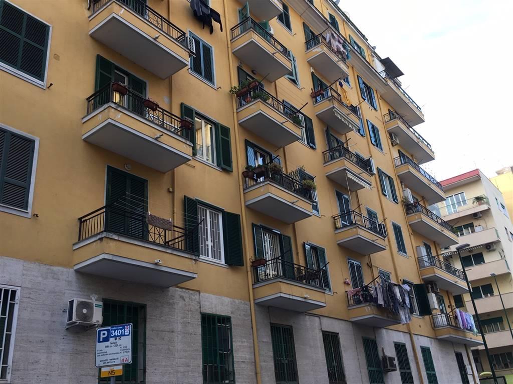 Bilocale in Via Mezinger 2, Arenella, Napoli