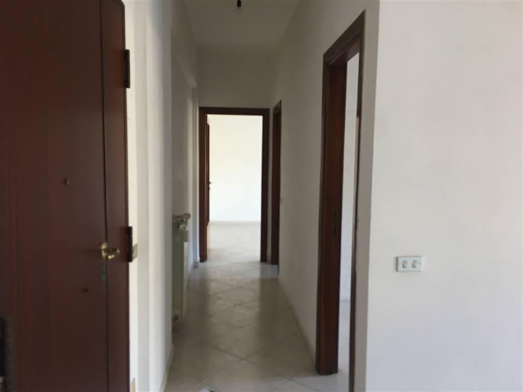 Appartamento in vendita a Caserta, 2 locali, zona Località: CASERTA FERRARECCE - ACQUAVIVA-LINCOLN, prezzo € 110.000 | CambioCasa.it