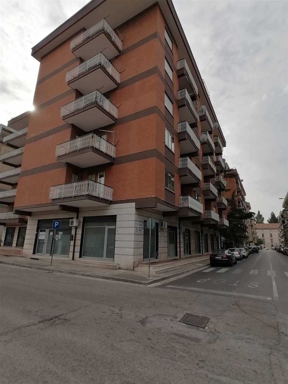 Appartamento in affitto a Casagiove, 5 locali, prezzo € 700 | CambioCasa.it