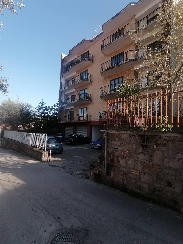 Appartamento in affitto a Caserta, 5 locali, zona Zona: Sala, prezzo € 500 | CambioCasa.it