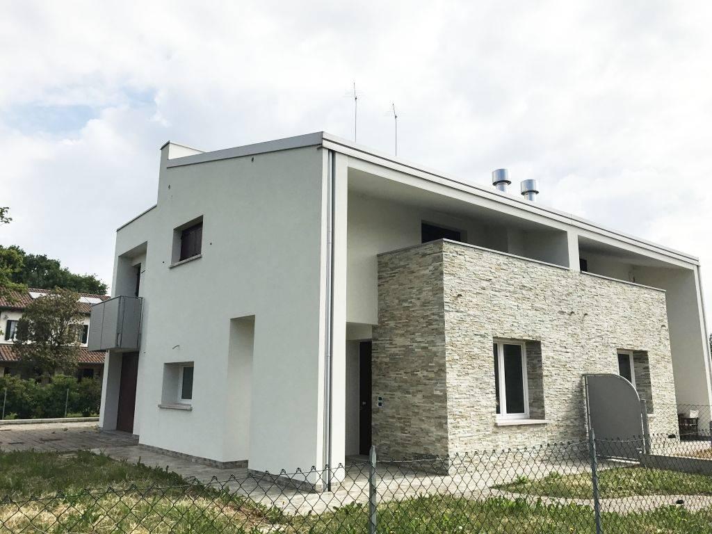 Villa bifamiliare in vendita a mogliano veneto zona olme - Costo allarme volumetrico casa ...