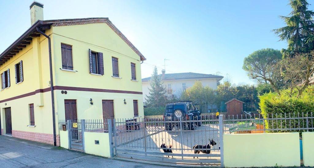 Bifamiliare, Mogliano Veneto, ristrutturato