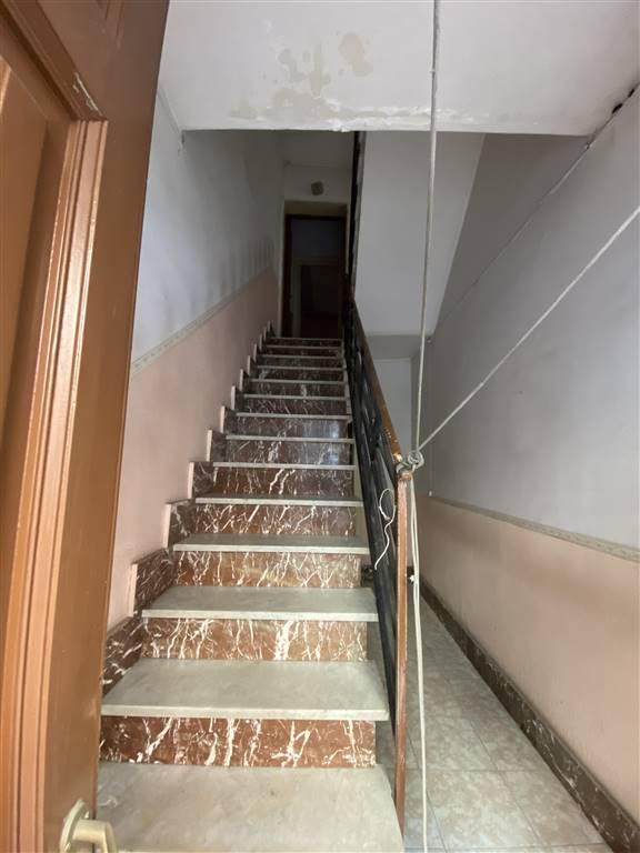 vano scala di accesso ai piani superiori