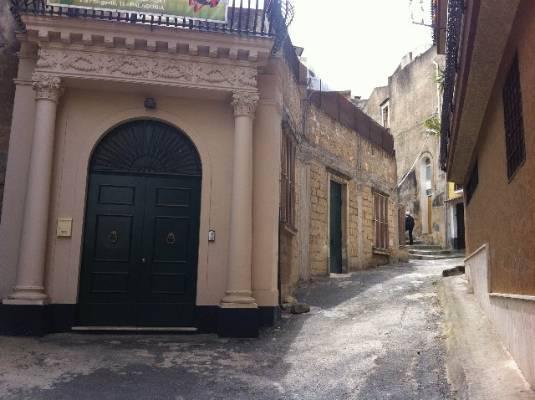 Casa singola, Palagonia, abitabile