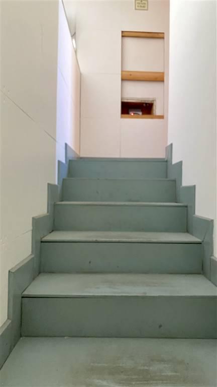 scale per accedere ai vani superiori