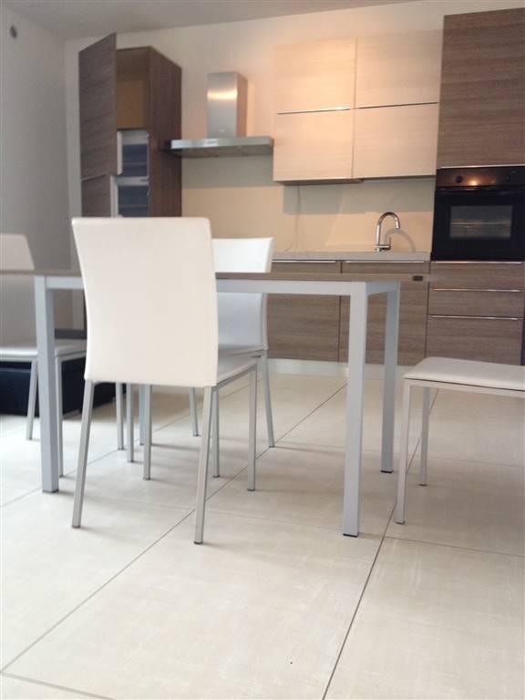 Proponiamo a Verdello, in nuovo contesto signorile dallo stile moderno un appartamento bilocale di 60 mq calpestabili posto al piano secondo, servito