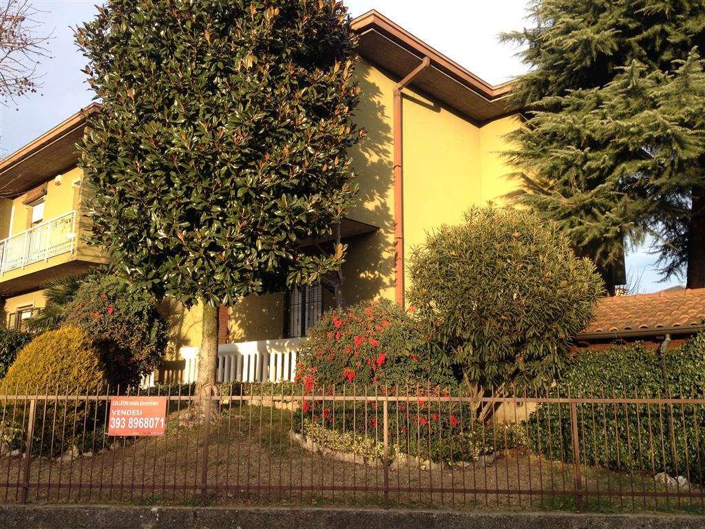 Villa Bifamiliare in vendita a Cologno al Serio, 6 locali, prezzo € 240.000 | CambioCasa.it
