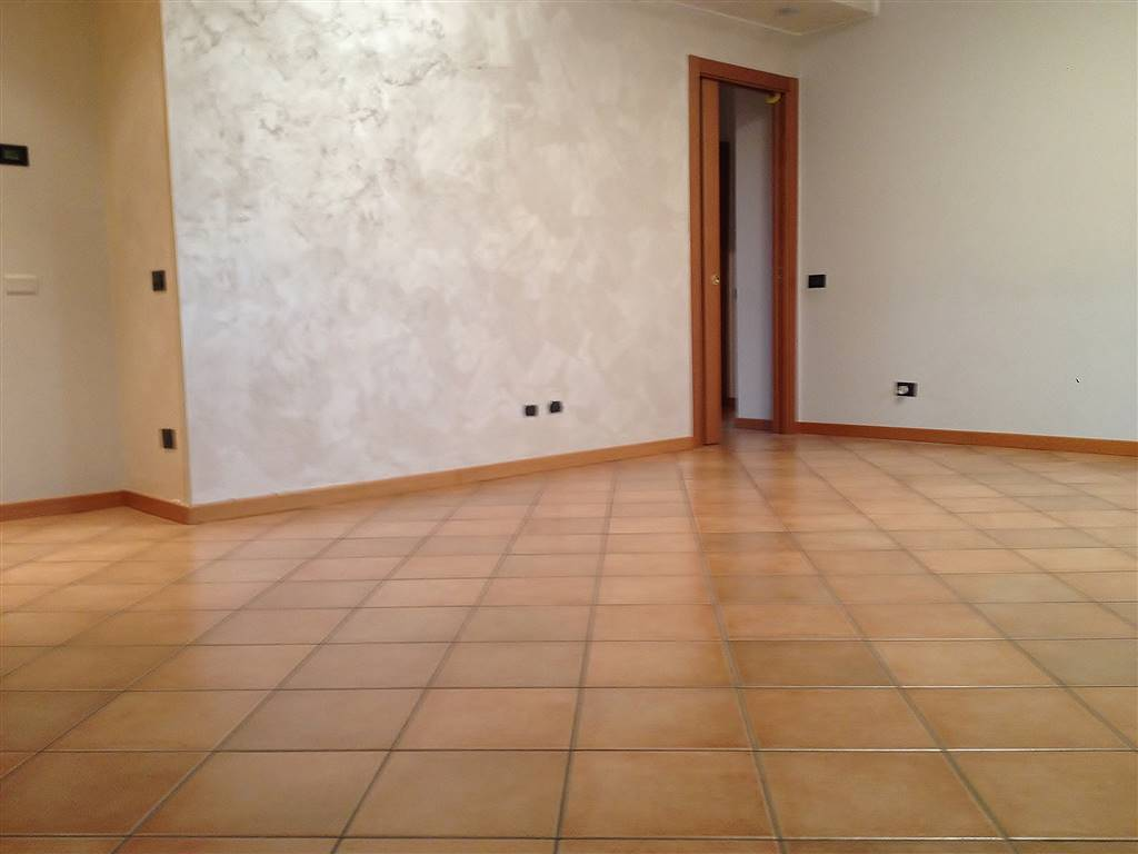 COLOGNO AL SERIO, Apartment for sale of 110 Sq. mt., Excellent Condition, Heating Individual heating system, Energetic class: D, Epi: 95,31 kwh/m2