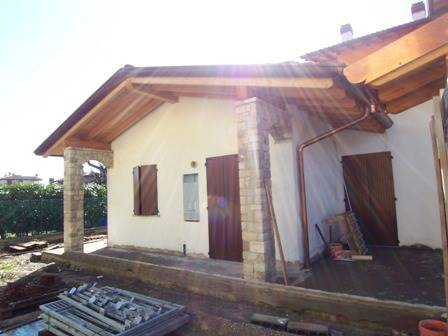 COLOGNO AL SERIO, Small villa for sale of 135 Sq. mt., New construction, Heating To floor, Energetic class: B, placed at Ground, composed by: 4 Rooms,