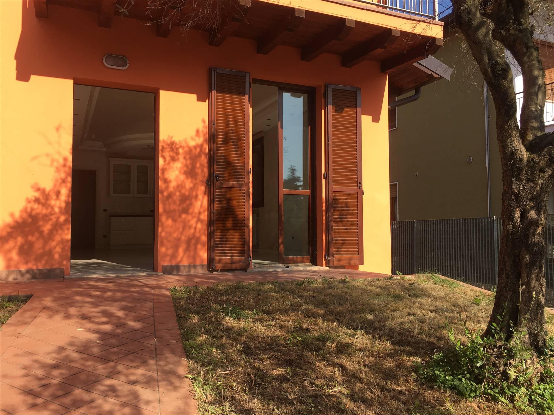MONTELLO, Appartamento in vendita di 110 Mq, Ristrutturato, Riscaldamento Autonomo, Classe energetica: B, posto al piano Terra su 1, composto da: 4
