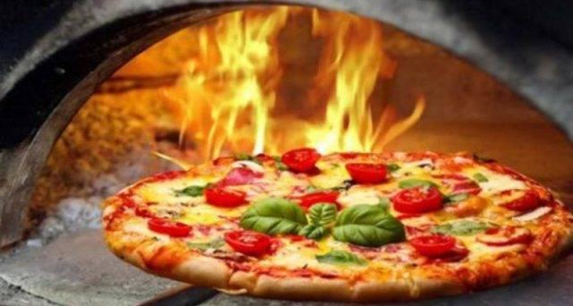 Ristorante / Pizzeria / Trattoria in vendita a Firenze, 2 locali, zona Località: DUOMO, prezzo € 700.000 | CambioCasa.it