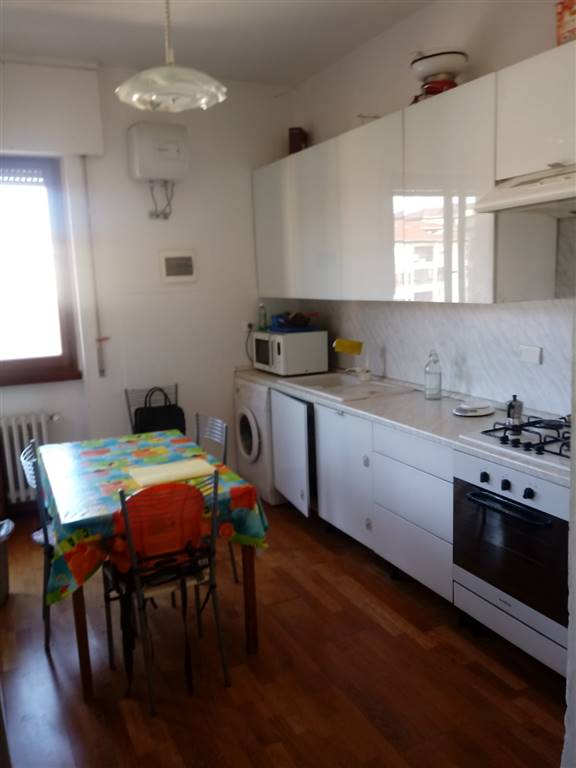 Appartamento in vendita a Firenze, 3 locali, zona Località: CIRCONDARIA, prezzo € 250.000 | CambioCasa.it