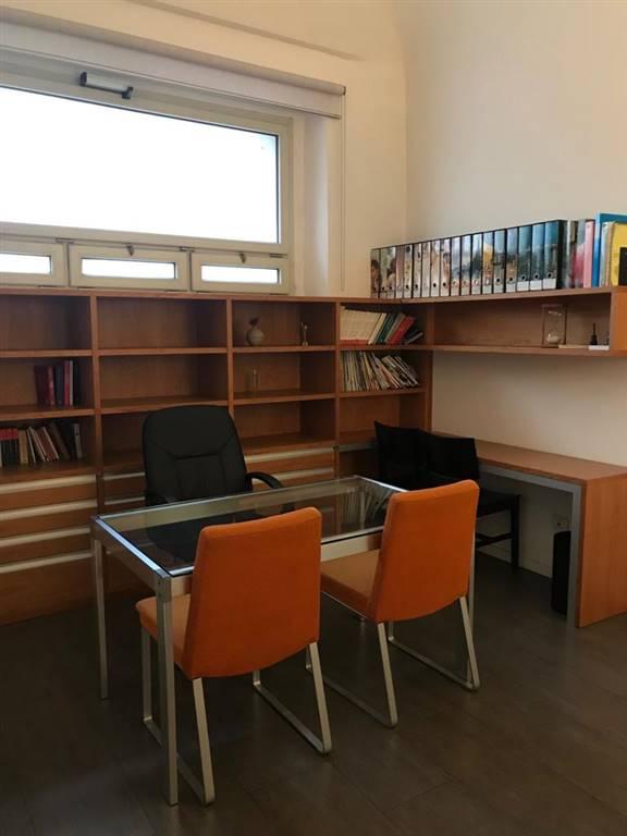 Ufficio / Studio in affitto a Firenze, 2 locali, zona Zona: 19 . Poggio imperiale, Porta Romana, Piazzale Michelangelo, prezzo € 650 | CambioCasa.it