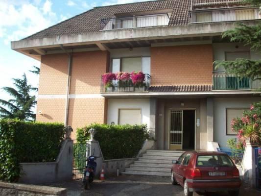 Trilocale in Via Abate Lamberto, San Martino Al Cimino, Viterbo