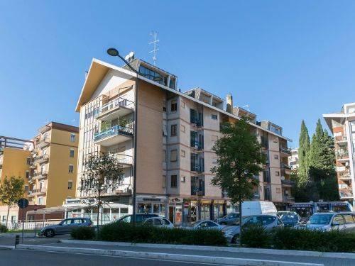 Appartamento in vendita a Viterbo, 5 locali, zona Località: PARADISO, prezzo € 160.000 | CambioCasa.it