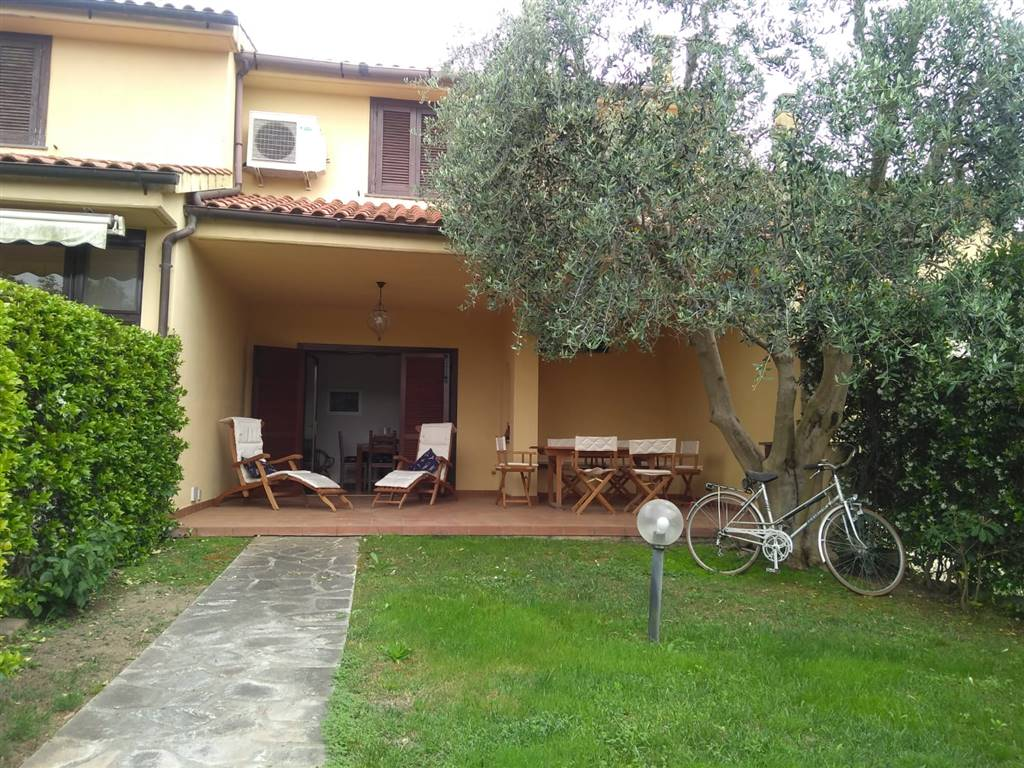 Appartamento in vendita a Montalto di Castro, 3 locali, zona Zona: Montalto Marina, prezzo € 220.000 | CambioCasa.it