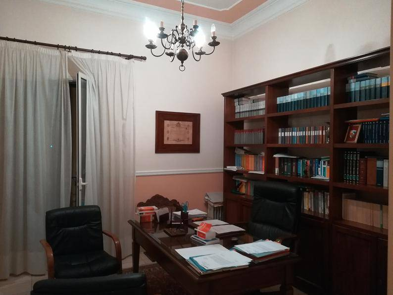 CENTRO, LICATA, Office for rent of 50 Sq. mt., Good condition, Energetic class: G, placed at 2°, composed by: 2 Rooms, 1 Bathroom, Price: € 350