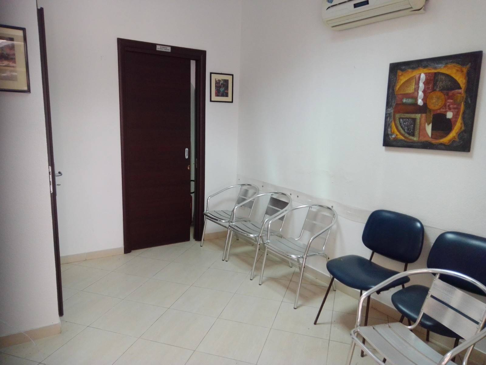 CENTRO, LICATA, Office for rent of 50 Sq. mt., Good condition, Energetic class: G, placed at Ground, composed by: 4 Rooms, 1 Bathroom, Price: € 3,300