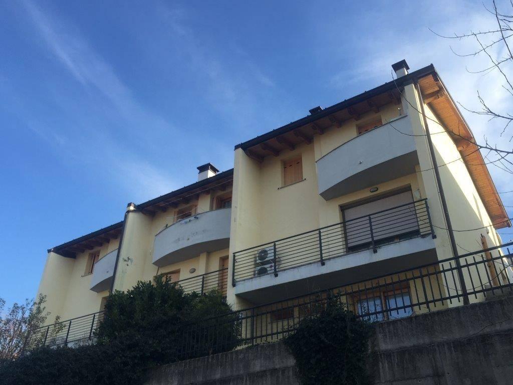 Villa a schiera in Via Leoni  60, Gorizia