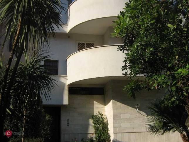 Villa, Triggiano, abitabile