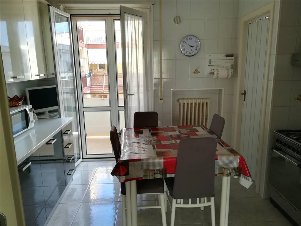 Appartamento in vendita a Bitonto, 4 locali, prezzo € 165.000 | CambioCasa.it