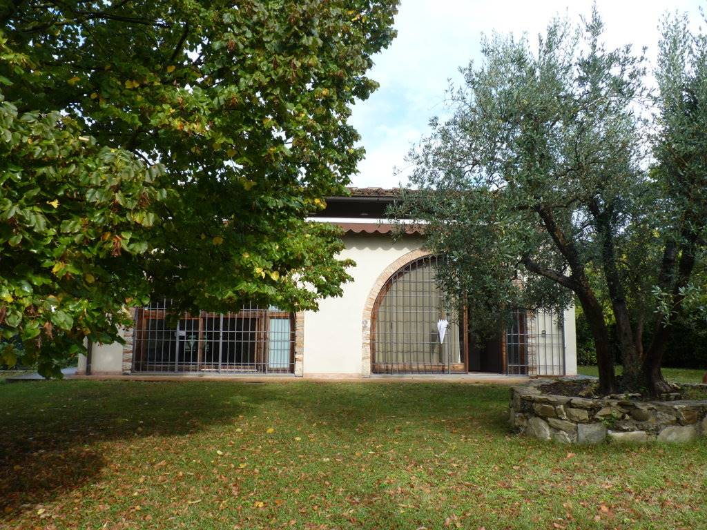 BALATRO, BAGNO A RIPOLI, Detached house for rent of 130 Sq. mt., Excellent Condition, Heating Individual heating system, Energetic class: G, placed