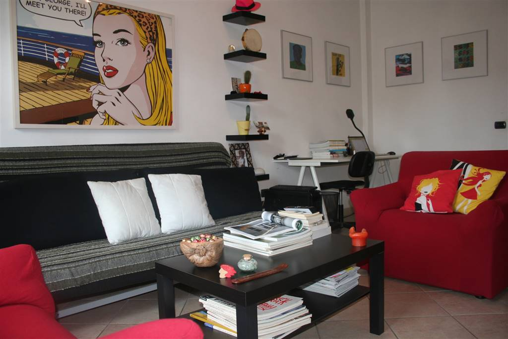 ALBERTI, FIRENZE, Apartment for rent of 70 Sq. mt., Good condition, Heating Centralized, Energetic class: F, Epi: 190 kwh/m2 year, placed at 5° on 6,