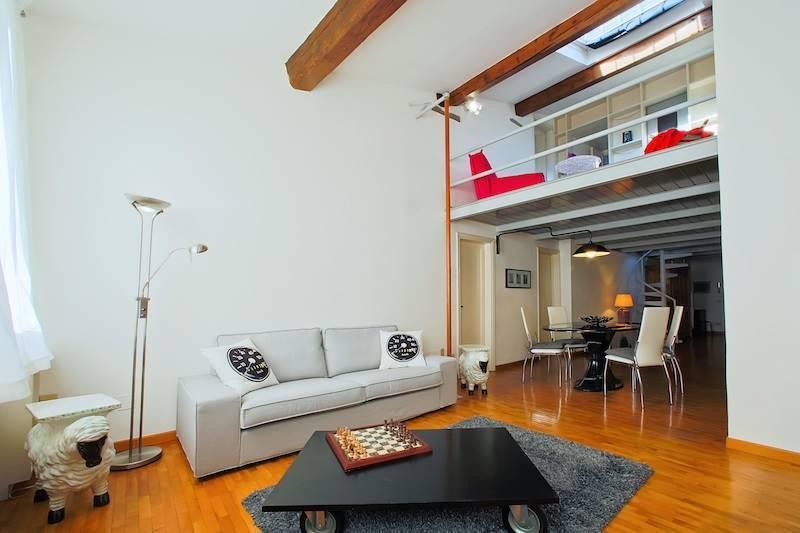 DUOMO, FIRENZE, Appartamento in vendita di 105 Mq, Ottime condizioni, Riscaldamento Autonomo, Classe energetica: G, Epi: 225 kwh/m2 anno, posto al