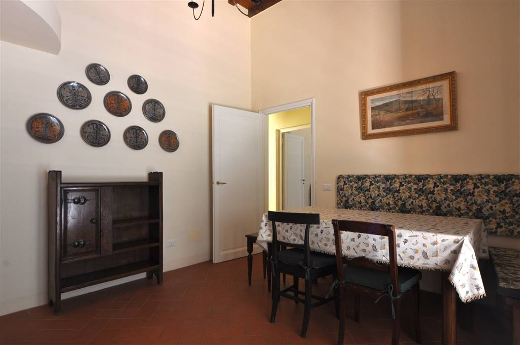 SAN FREDIANO, FIRENZE, Apartment for rent of 70 Sq. mt., Restored, Heating Individual heating system, Energetic class: G, placed at 1°, composed by:
