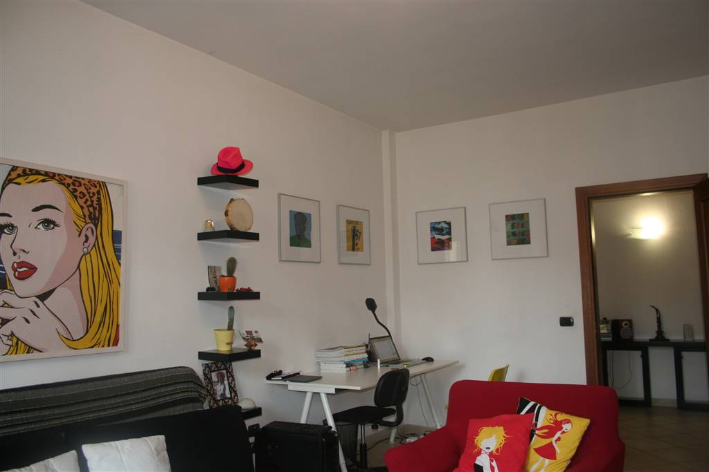 ALBERTI, FIRENZE, Apartment for sale of 70 Sq. mt., Good condition, Energetic class: G, Epi: 265,4 kwh/m2 year, placed at 5° on 6, composed by: 3