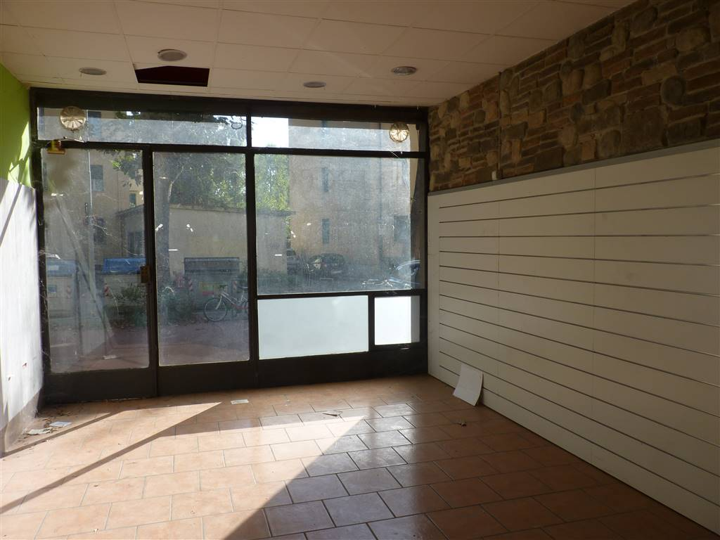 ARGINGROSSO, FIRENZE, Shop for rent of 35 Sq. mt., Good condition, Heating Centralized, Energetic class: G, Epi: 226 kwh/m3 year, placed at Ground,
