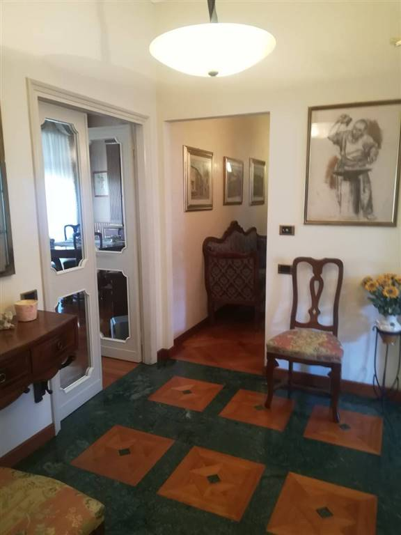 COVERCIANO, FIRENZE, Apartment for sale of 115 Sq. mt., Heating Centralized, Energetic class: G, Epi: 148,2 kwh/m2 year, placed at 1° on 2, composed