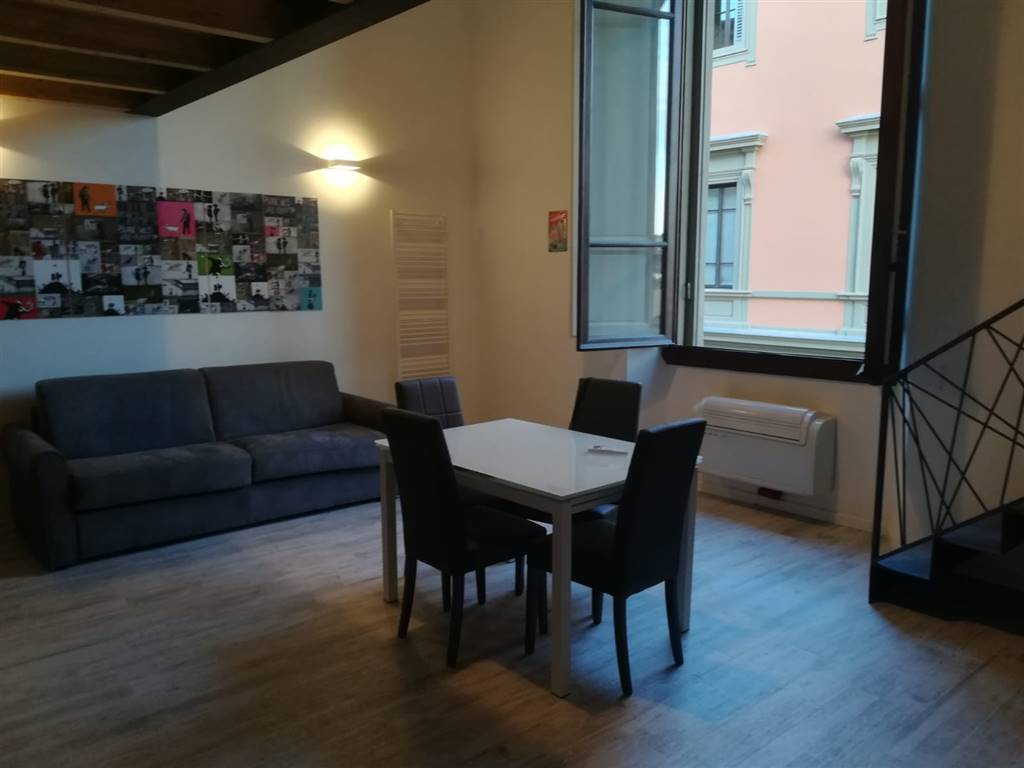 LIBERTÀ, FIRENZE, Apartment for sale of 85 Sq. mt., Restored, Heating Individual heating system, Energetic class: G, placed at 2° on 3, composed by: