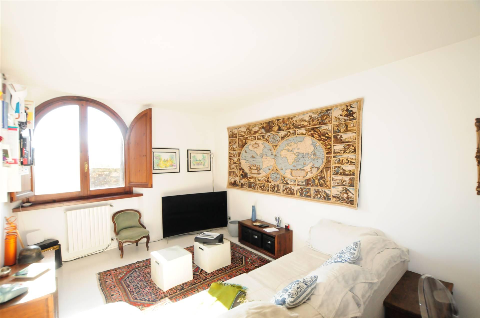 Appartamento in vendita a Fiesole, 3 locali, zona Zona: San Domenico, prezzo € 260.000 | CambioCasa.it