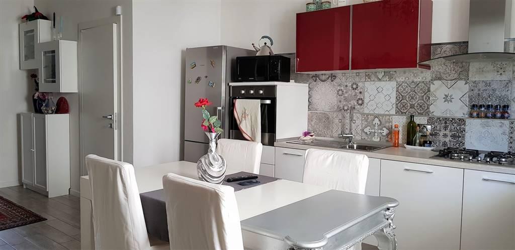 Appartamento in vendita a Prato, 3 locali, zona Zona: Mezzana, prezzo € 199.000 | CambioCasa.it