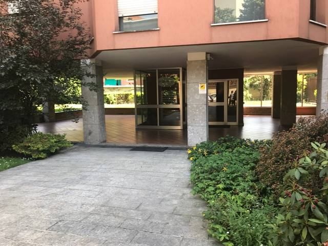 DERGANO, MILANO, Appartamento in affitto di 100 Mq, Buone condizioni, Riscaldamento Autonomo, Classe energetica: E, Epi: 130,03 kwh/m2 anno, posto al