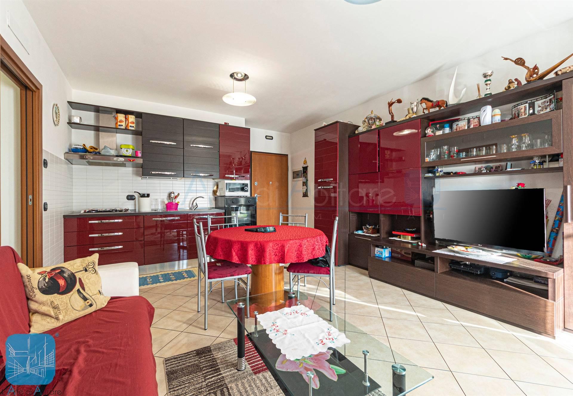 Appartamento in vendita a Marcon, 4 locali, prezzo € 175.000   CambioCasa.it
